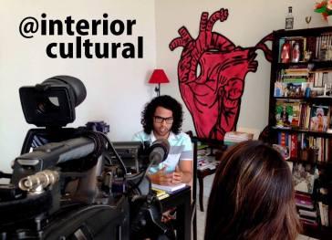 Gabriel Duarte e Carol Bataier, do Interior Cultural, recebendo a equipe da TV Unesp